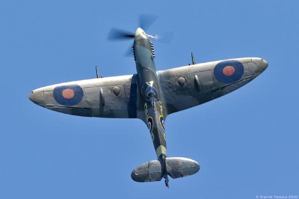 Spitfire v letu