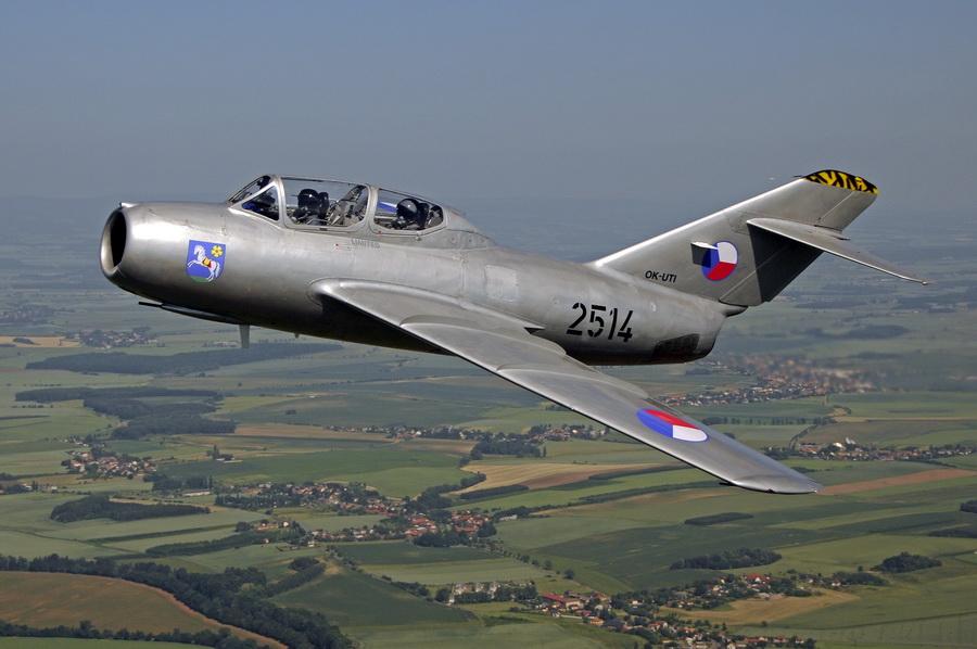 Nevšední zažitek, let stíhačkou MiG 15Mig 15 in flight